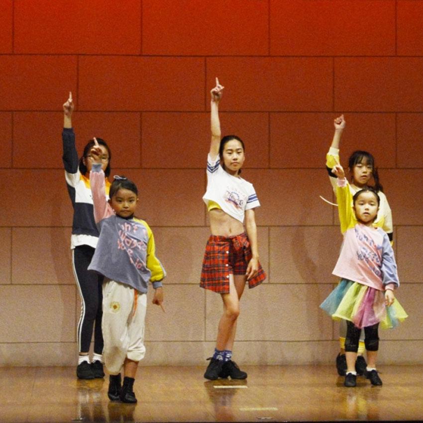 ジャズダンス中級クラス